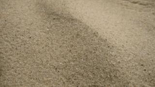 Как работают с горячим песком